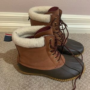 Tommy Hilfiger duck boots size 8